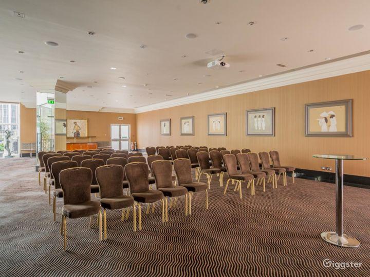 Elegant Newbury Suite 2 for any Events London, Heathrow Photo 2