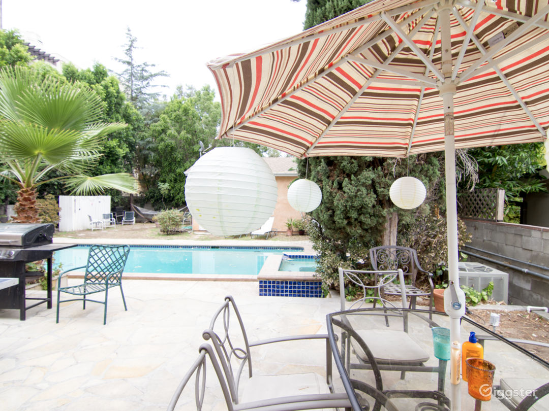 Lovely Home in Studio City on Tree Lined Street Photo 4