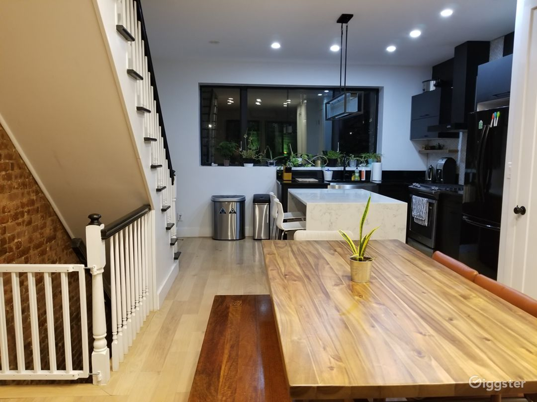 Modern Home in the South Bronx Photo 5