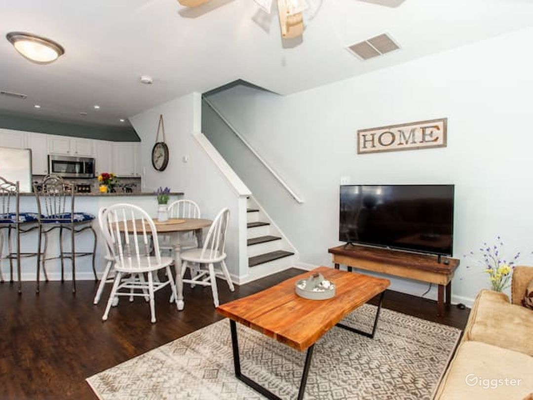 Rustic Industrial Townhome in Edgewood-East ATL Photo 1