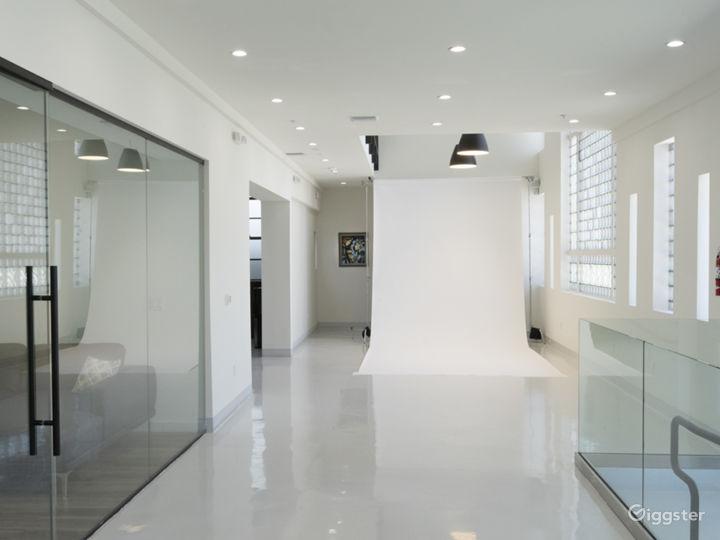 2.000 sq.ft Luxury Photo Studio 3