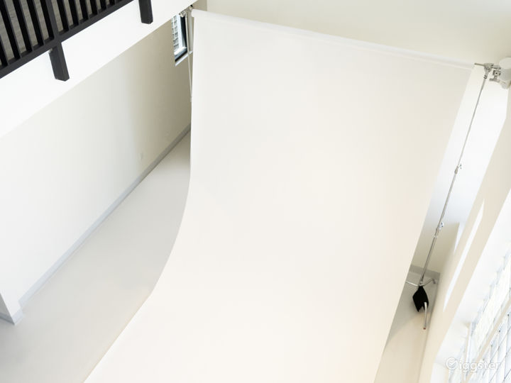 9' wide Seamless Paper ( white and green)