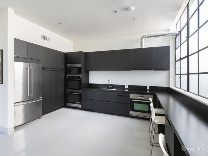 Fully functional Commercial Kitchen ( perfect for Kitchen Shows or Events)