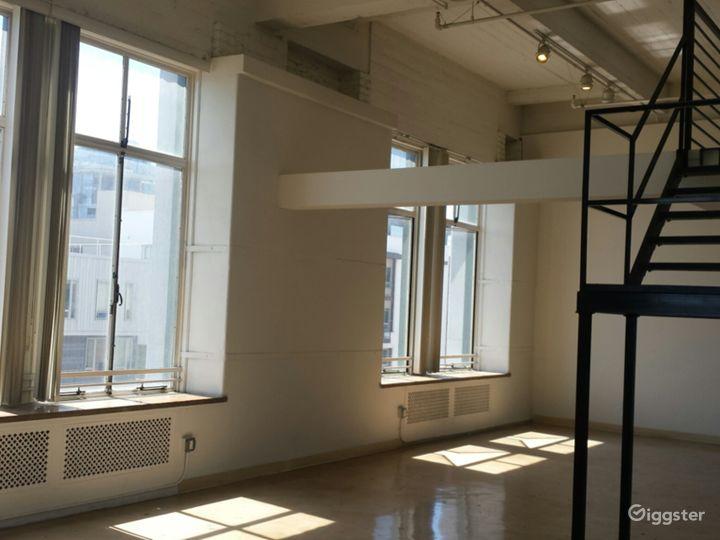 Gorgeous LA Artist Loft Photo 5
