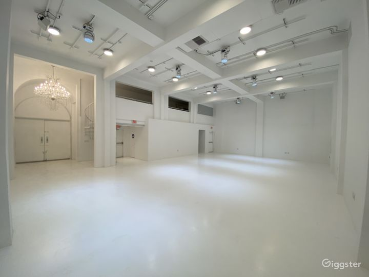 GROUND FLOOR STAGE - Larger Studio 1 with Sound Proof Environment Photo 4