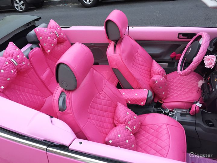 Pink interior with bows! Pink fuzzy dice. Super (all can be removed if needed)
