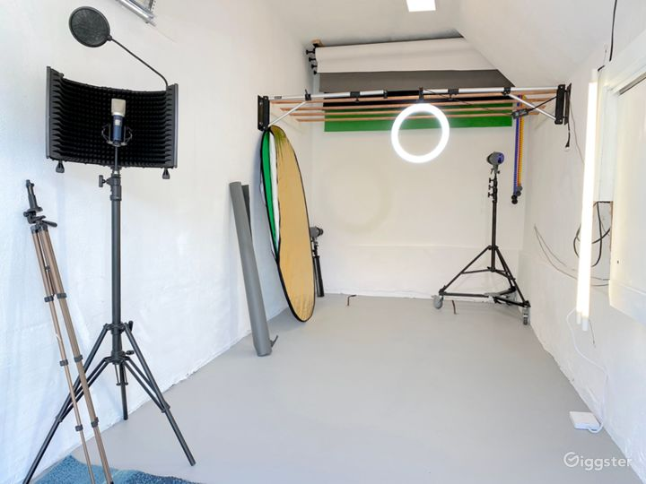 8.5ft x 17ft Legit photo Studio. Everything you see included.