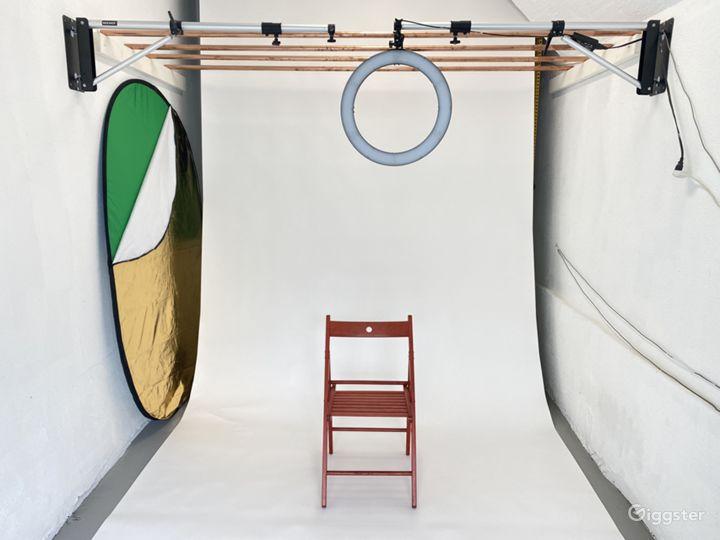 SF Photo Studio: White Walls, Lights & Backdrops Photo 3