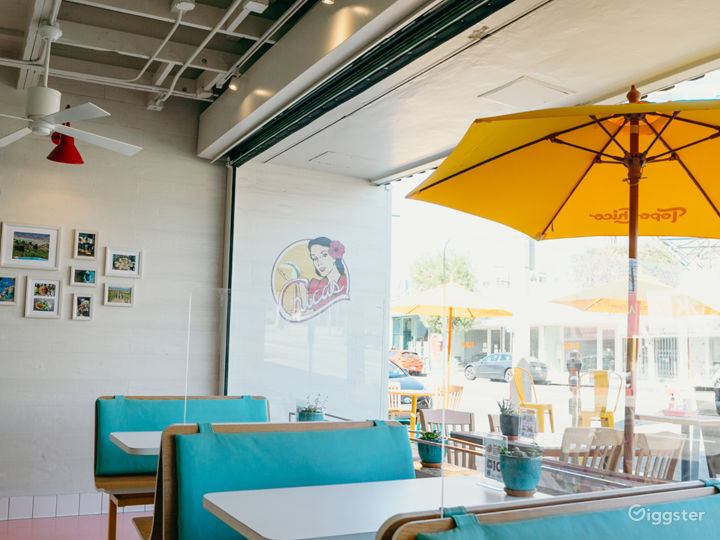 Vibrant & Friendly Fast Casual Restaurant Photo 4