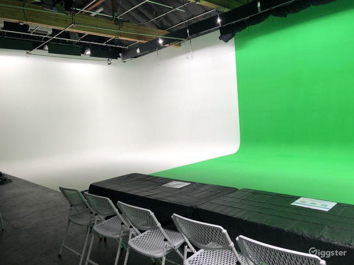 Fully Equipped Green Screen Studio - Vista, CA Photo 4
