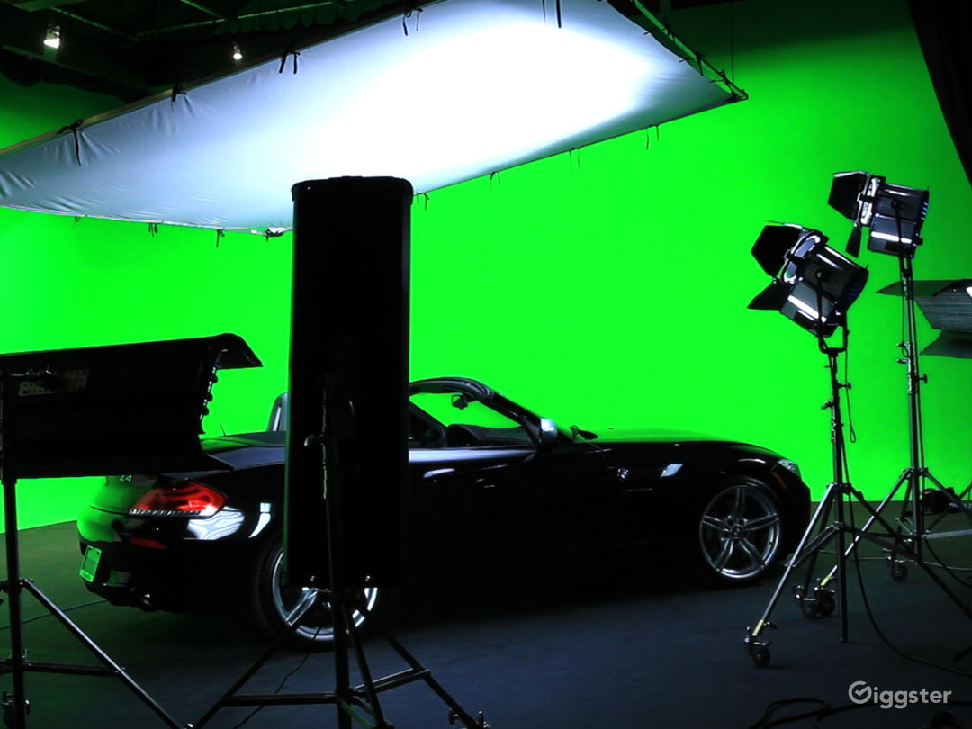 Fully Equipped Green Screen Studio - Vista, CA Photo 1