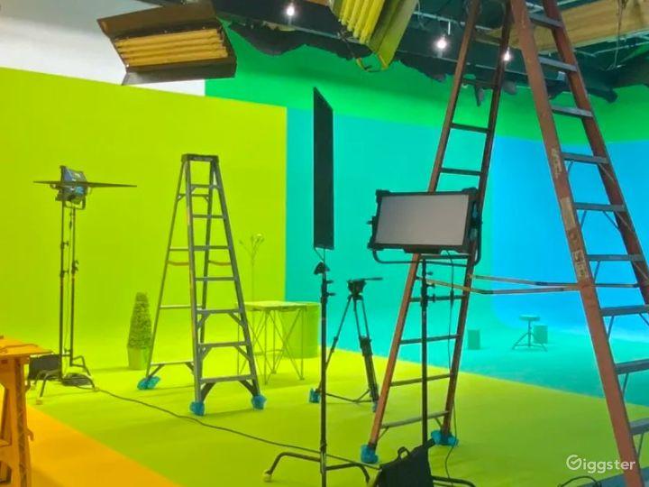 Fully Equipped Green Screen Studio - Vista, CA Photo 3