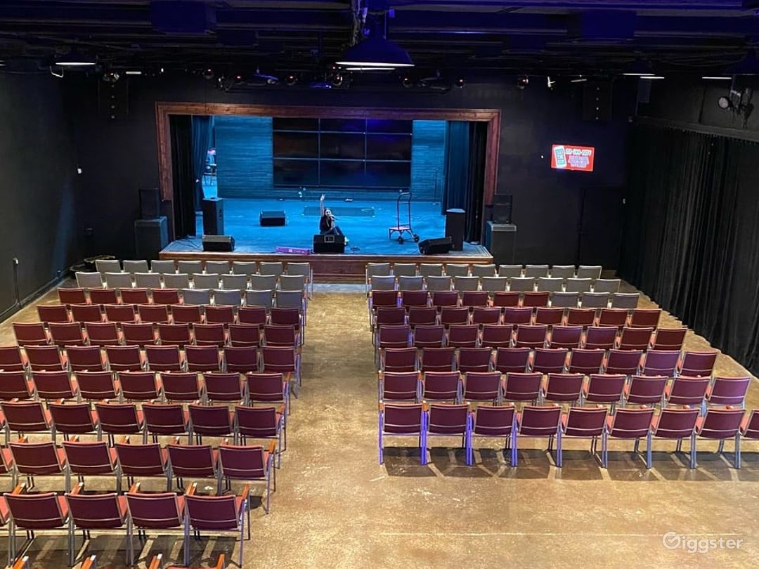 Awesome Theater Event Space in Lake Park Photo 1