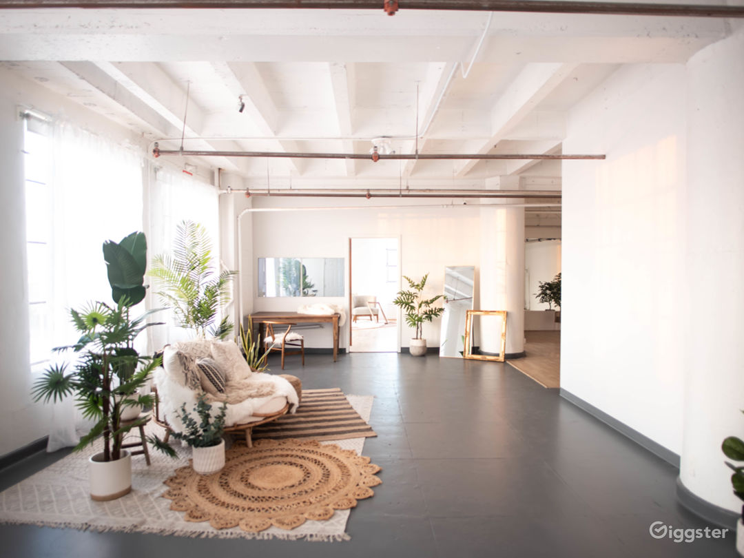 DTLA Boho3 with Rattan Daybed Decor 1,150sf Photo 1