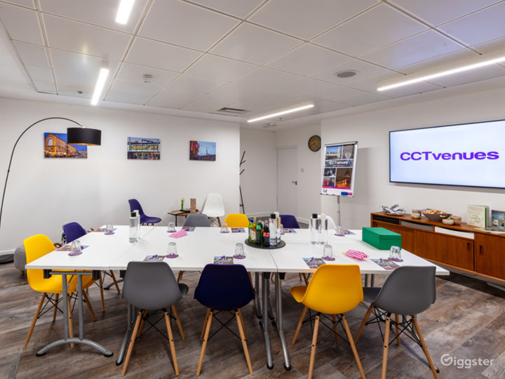 Our Camden Lock room is the perfect creative space for workshops and meetings, with a drinks fridge, snack machines and a retro games table to keep the energy levels high.