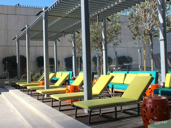 Relaxing Outdoor Pool Photo 2