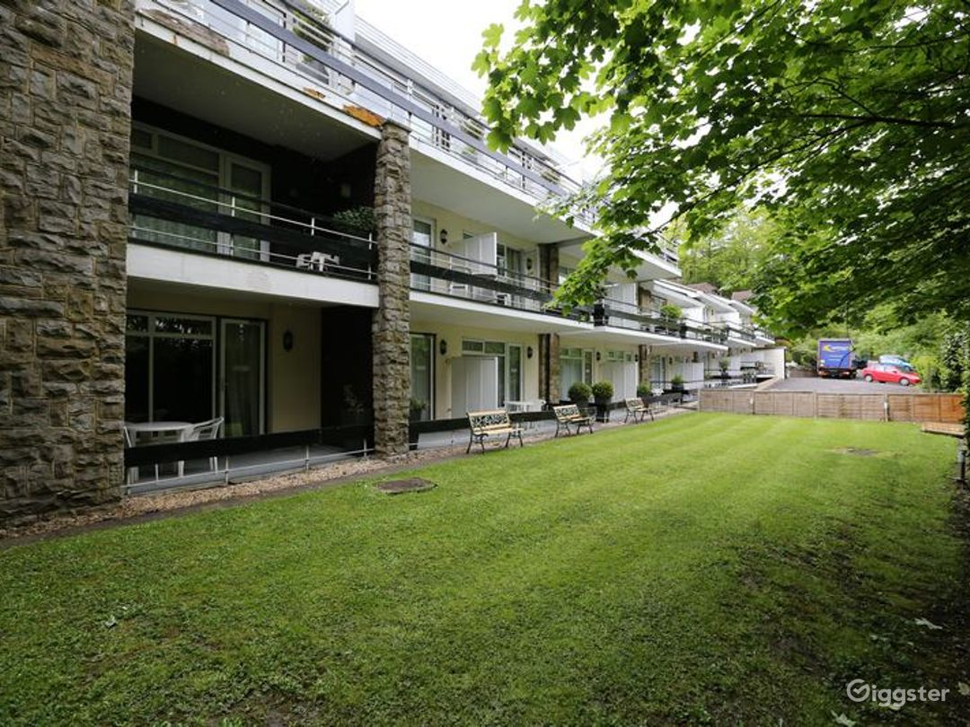 Fully Equipped Hotel in Reigate  Photo 1
