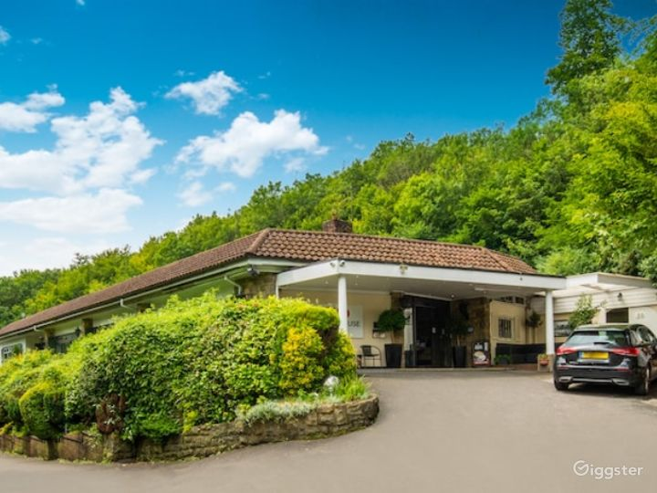 Fully Equipped Hotel in Reigate  Photo 2
