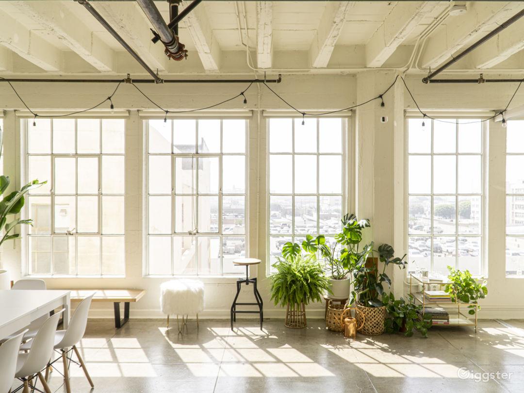 Gorgeous, Sun-drenched, DTLA Photo Studio Loft Photo 1