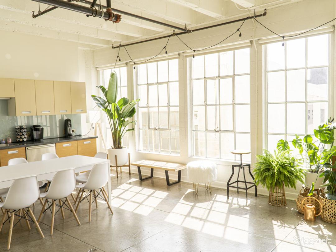 Gorgeous, Sun-drenched, DTLA Photo Studio Loft Photo 3