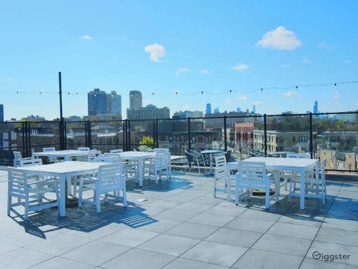 Rooftop Deck with Beautiful Skyline View Photo 4