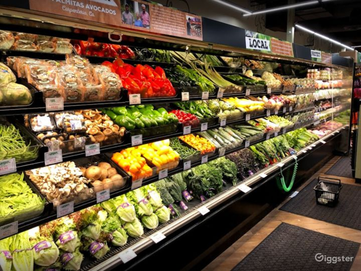 Spacious Health Food Store Perfect for Photoshoots and Productions in Thousand Oaks Photo 2