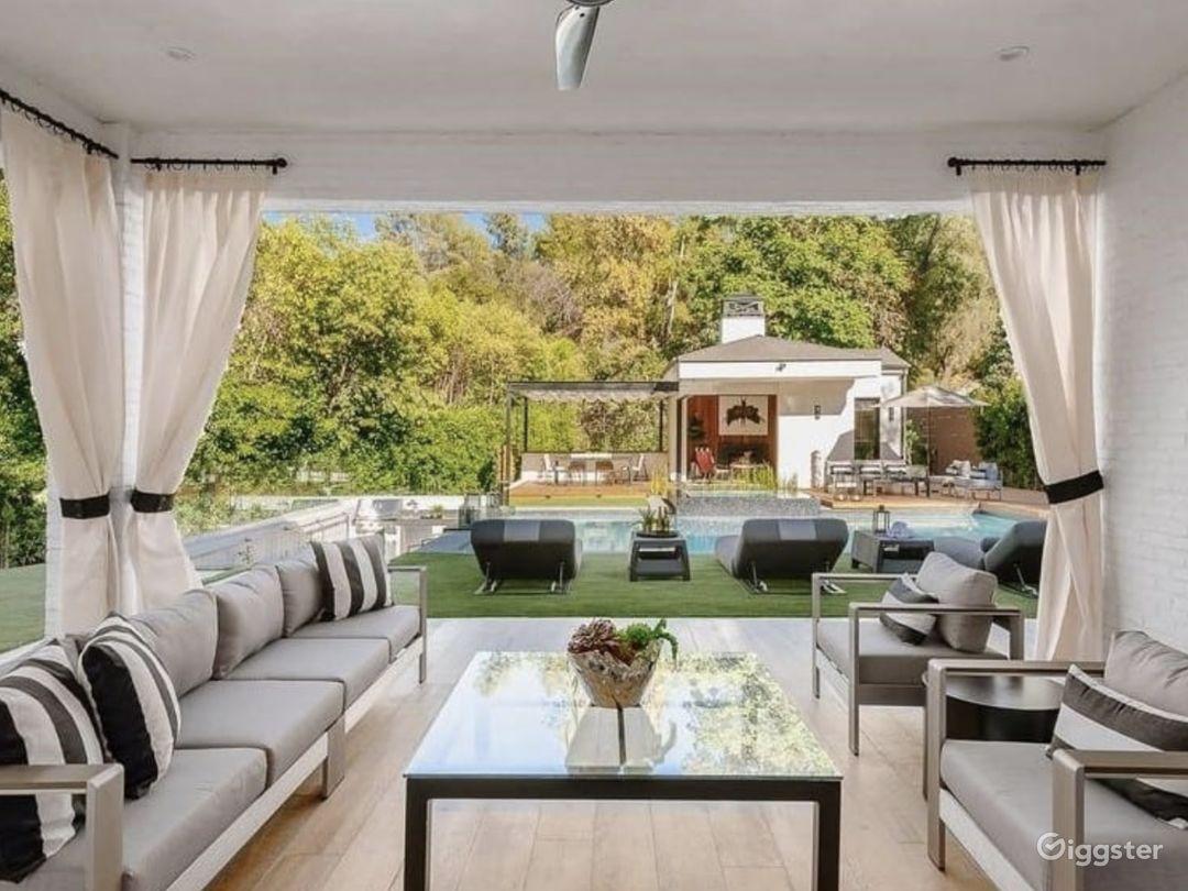Luxury Modern Farmhouse Photo 5