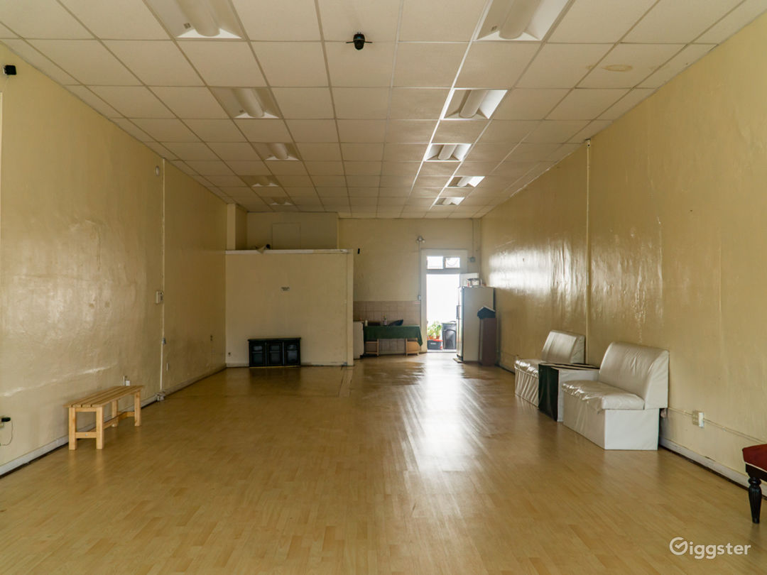Empty Office Space for Multipurpose Use Photo 3