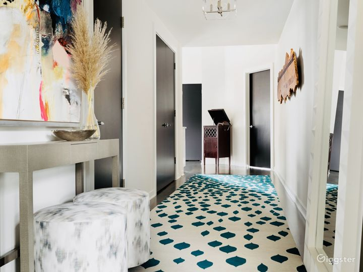 Foyer, 1st Floor