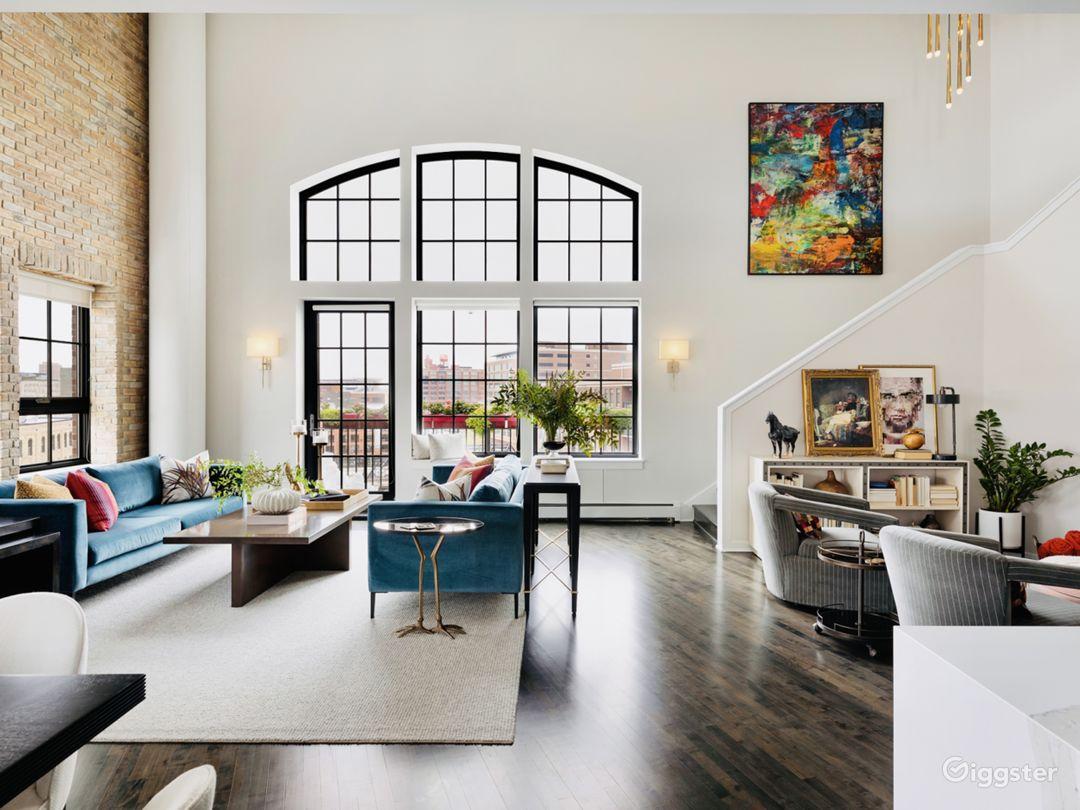 Living Room/Sitting Area, 1st Floor