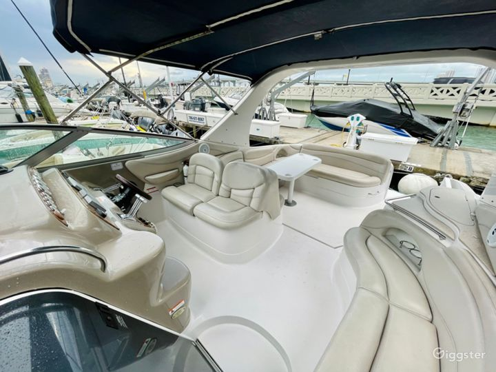 Exquisite 40FT Larson Sea Isle Party Yacht Space Events  Photo 2
