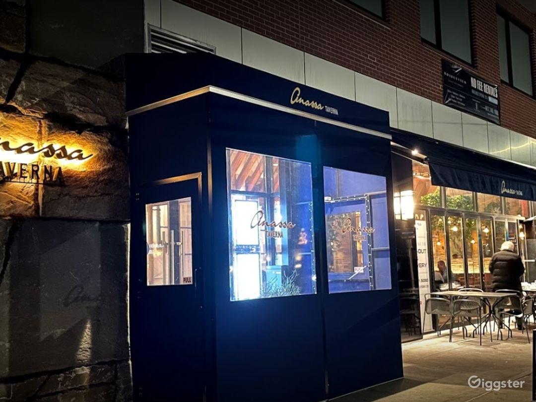 Chic Restaurant in Astoria Boulevard Photo 1