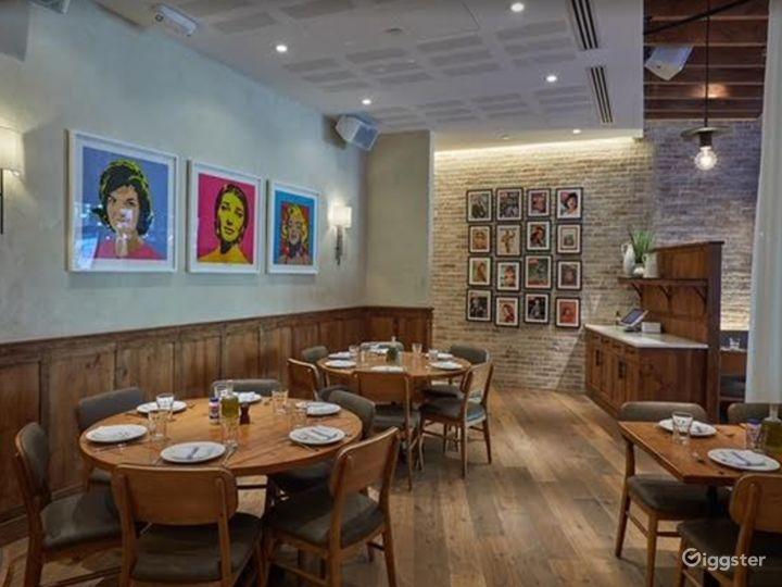 Chic Restaurant in Astoria Boulevard Photo 5