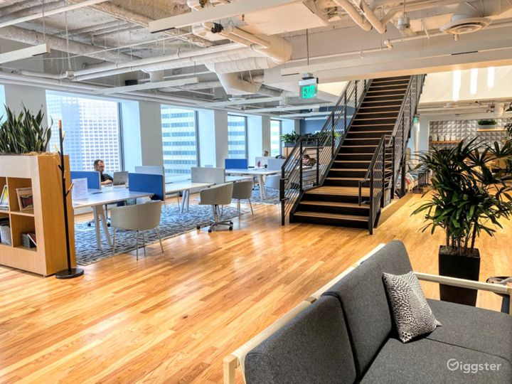 Executive Offices w/ Skyline Views of Downtown LA
