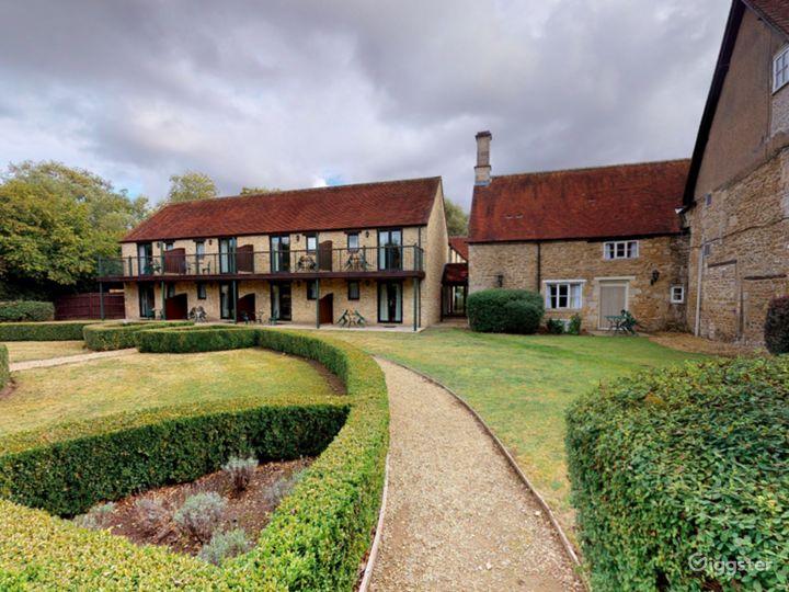 Gorgeous Walled Garden in Oxford Photo 5