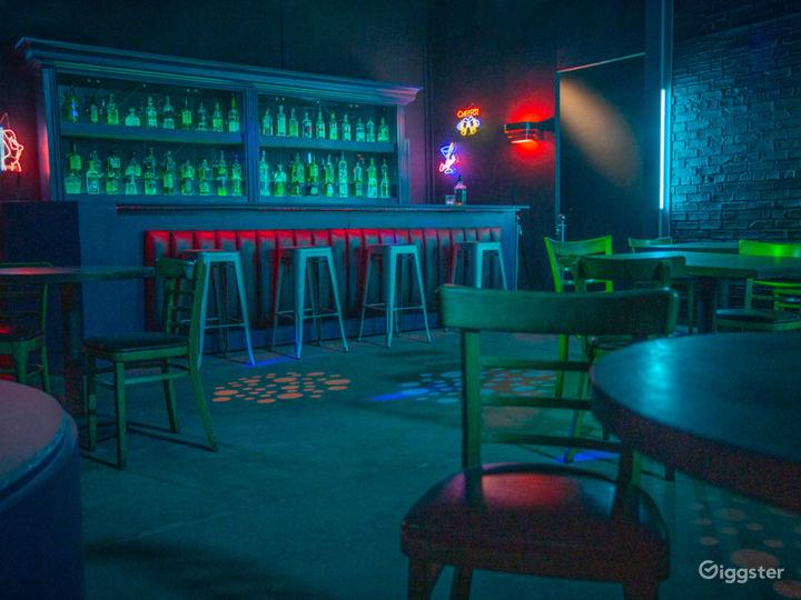Dive Bar Standing Set | CreatorLA Photo 3