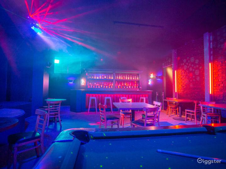 Dive Bar Standing Set | CreatorLA Photo 2