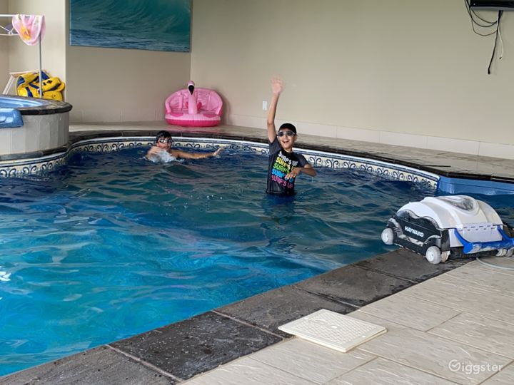 Large stone exterior family house with indoor pool Photo 4