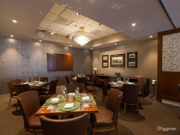 Cozy Dining Room with Polo-themed Paintings in Houston Photo 3