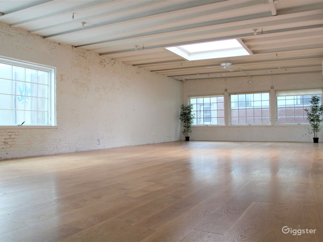 Charming White Brick Studio with Skylight in LES Photo 2