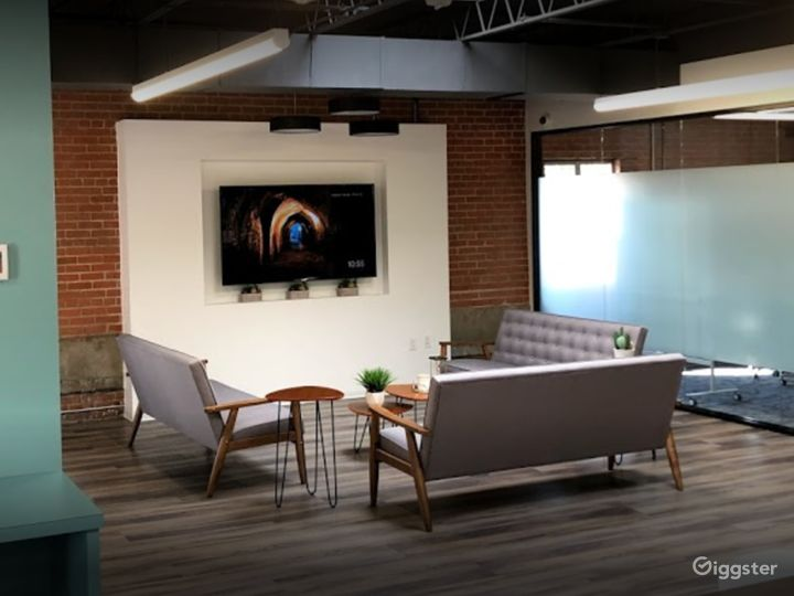 Spacious and Creative Office Spaces (Full Buyout) Photo 4