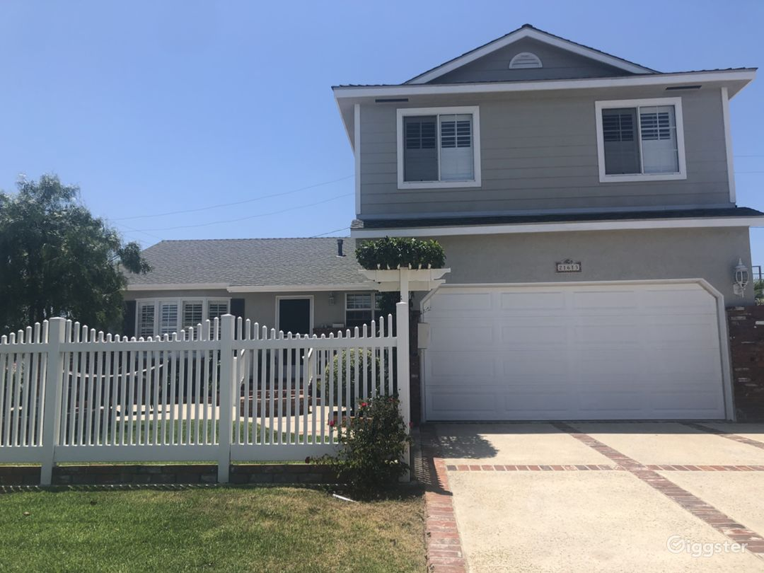 Country style super cute 4 bedroom 3 bath 2 story house. 80's vibe very clean.