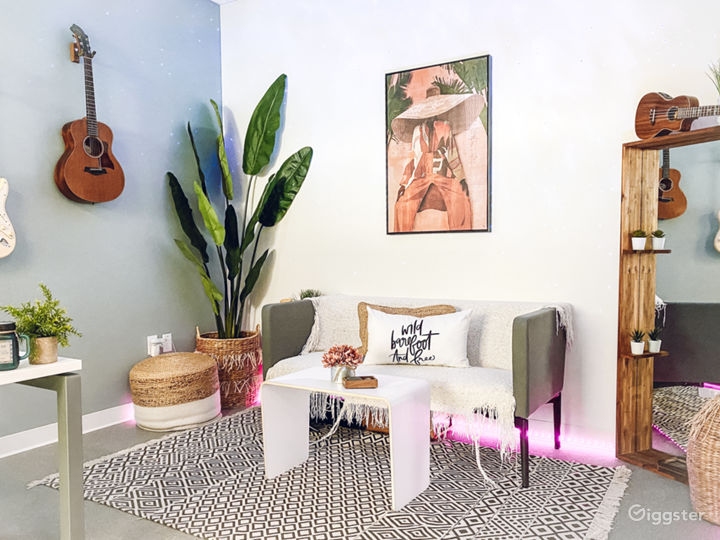 Jungle Photo Studio Office | Creative Space Photo 5