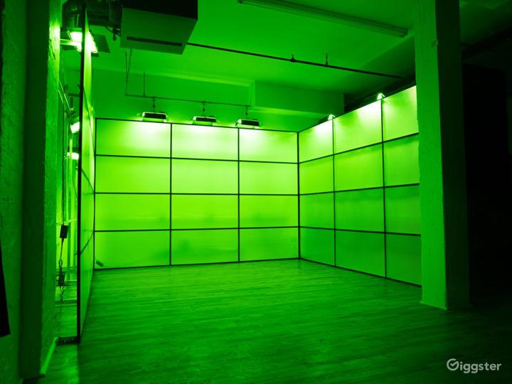 RGB Led tunnel, Standing Cube, Art Vanity Photo /  Photo 2