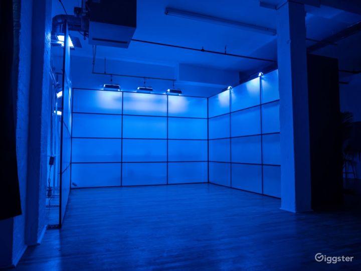 RGB Led tunnel, Standing Cube, Art Vanity Photo /  Photo 3