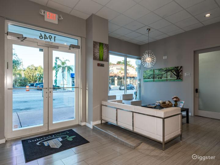 Simple and Minimalist Lobby Photo 4