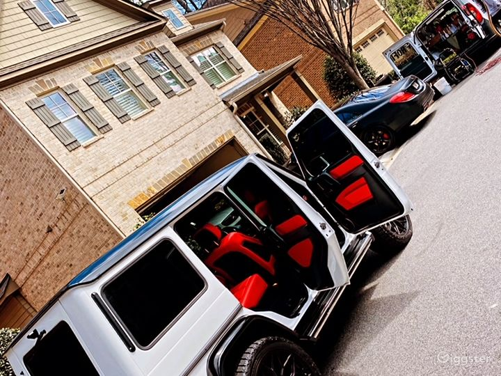 Mercedes-Benz G-Wagon  Ultimate in Luxury Photo 2