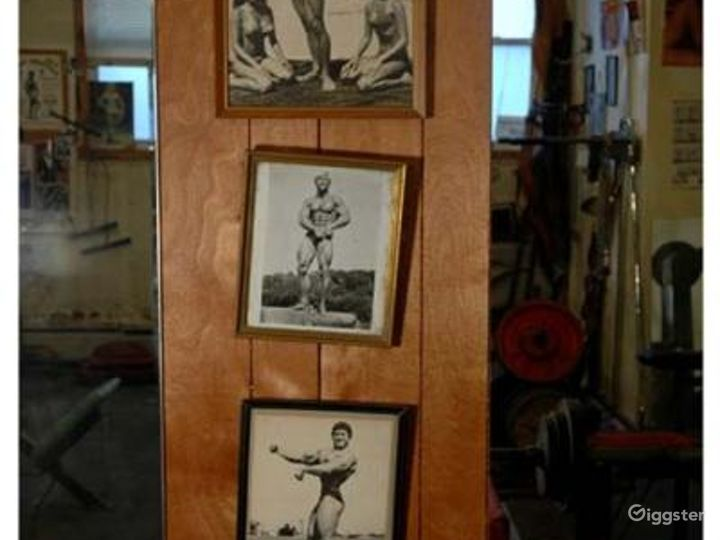 Vintage gym and workout equipment: Location 4238 Photo 3