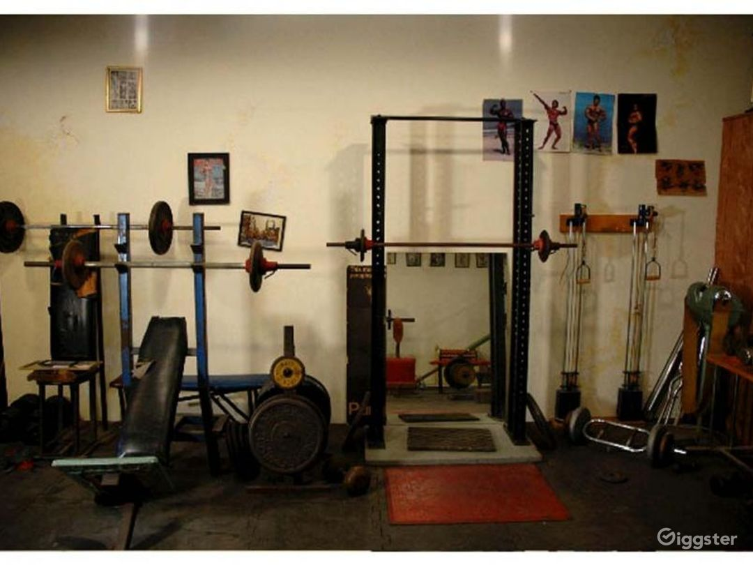 Vintage gym and workout equipment: Location 4238 Photo 1
