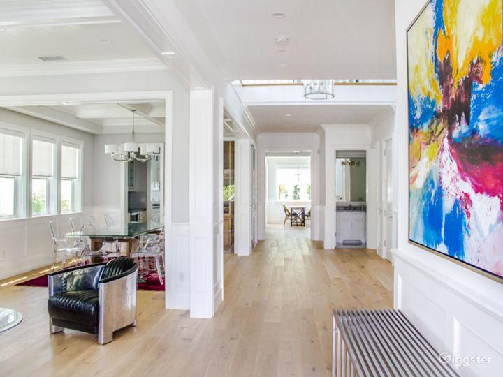 Cape Cod Home in Prime Sherman Oaks Photo 4